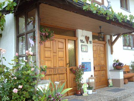 Haus Hanni Ebner, Hauseingang 01